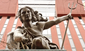 portlandia-statue